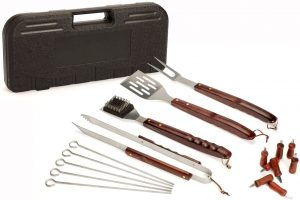 18 Piece Wooden Handle Grill Set